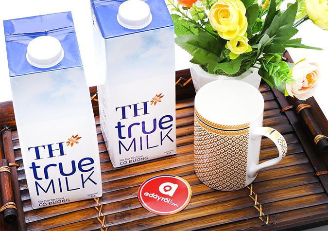 Sữa tươi tiệt trùng TH True Milk có đường hộp 1L