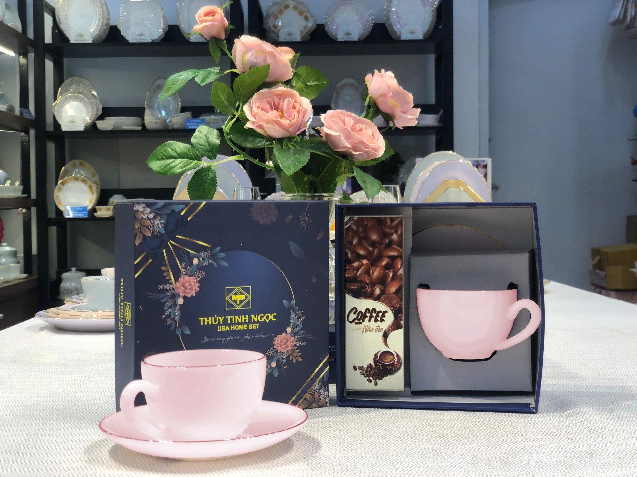 Bộ quà tặng đĩa tách kèm hộp trà, cafe Hồng Ruby